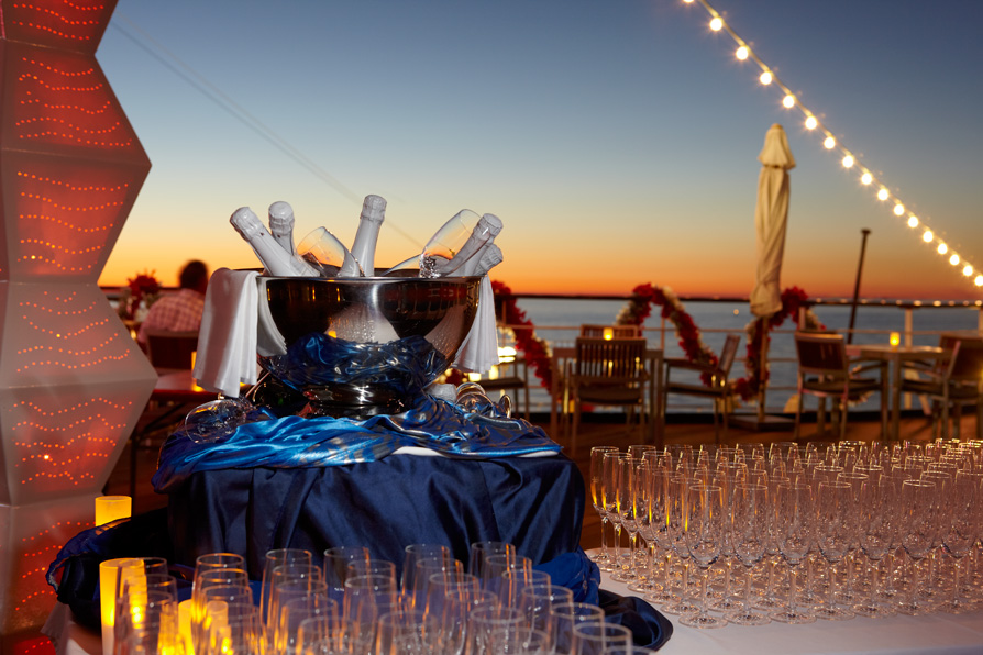dégustation de champagne à bord du bateau de croisière Jules Verne